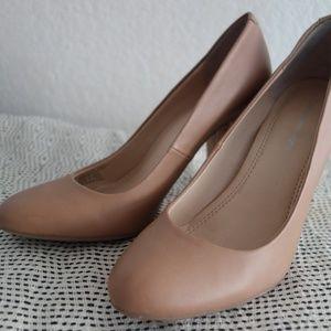 """Calvin Klein """"Garessa"""" pump/heels  - women size 5"""